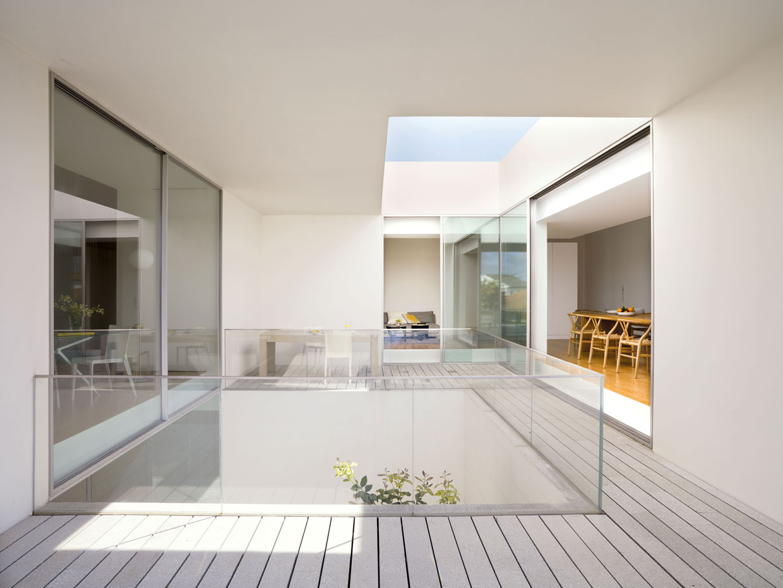 8 espectaculares casas modernas con lucernarios - Casas con luz natural ...