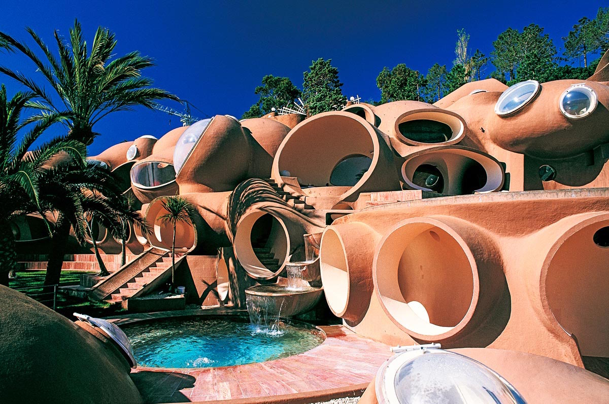 the-tale-of-tomorrow-1. Palais Bulles