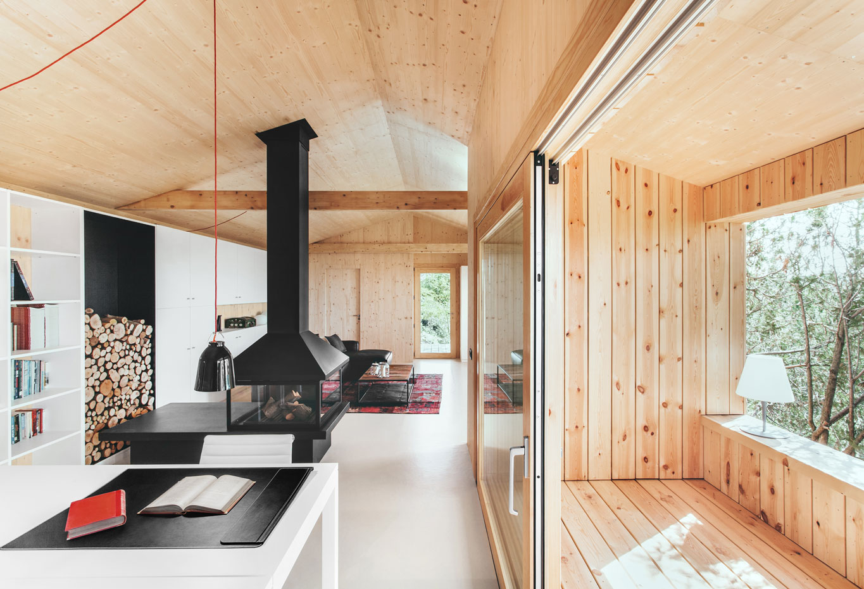 Casa de madera ecol gica en sant cugat barcelona de dom for Bois de finition interieur