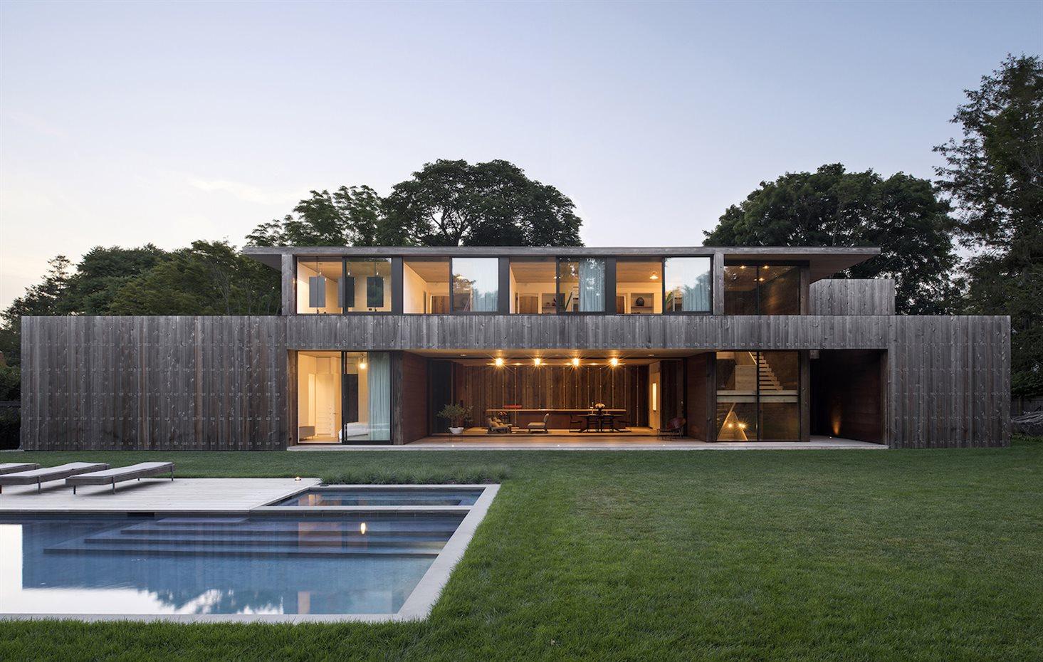 Casa de madera de dise o con piscina en estados unidos for Casas de madera con piscina
