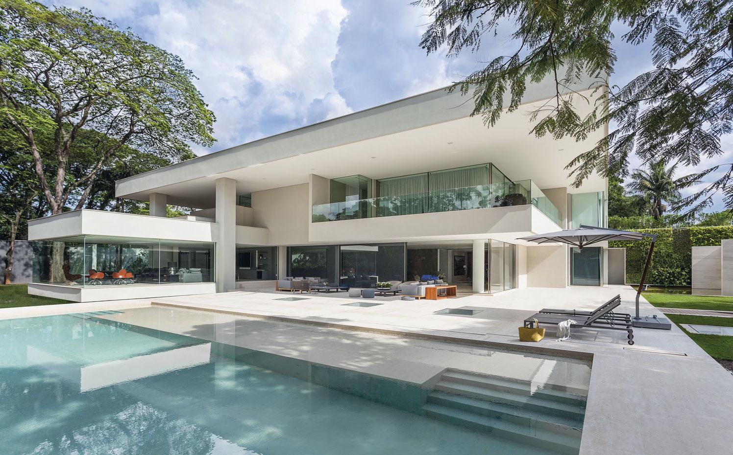 Porches de casas modernas perfect porche hormigon with for Porche casa moderna