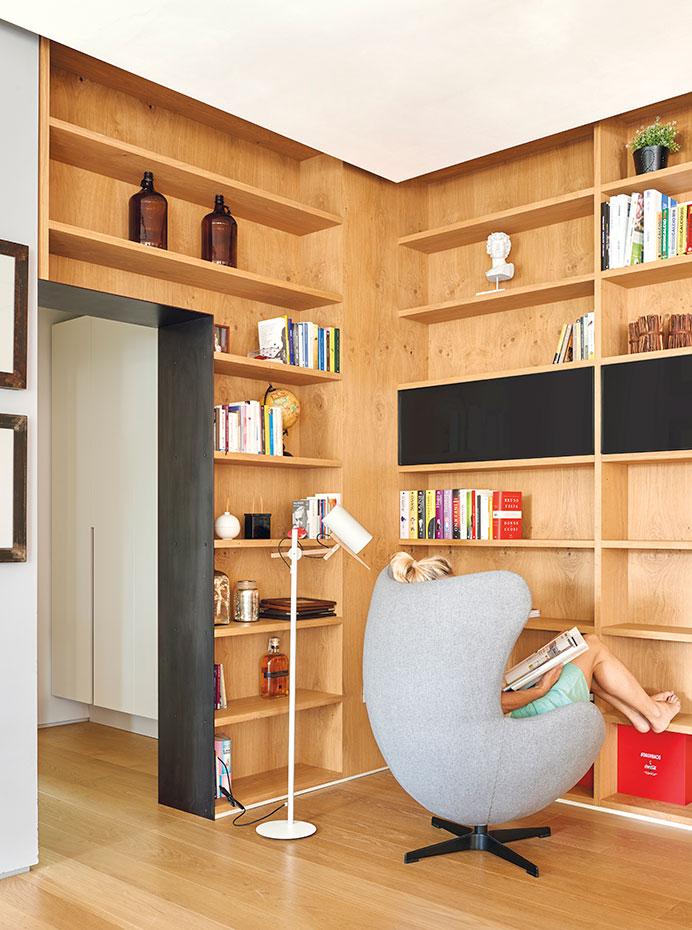 10 ideas para colocar tus libros y hacer la biblioteca perfecta - Lampara estanteria ...