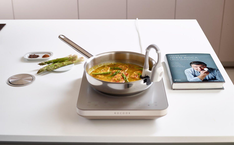 Joan roca dise a el sistema de cocina rocook para el hogar for Libro cocina al vacio joan roca pdf