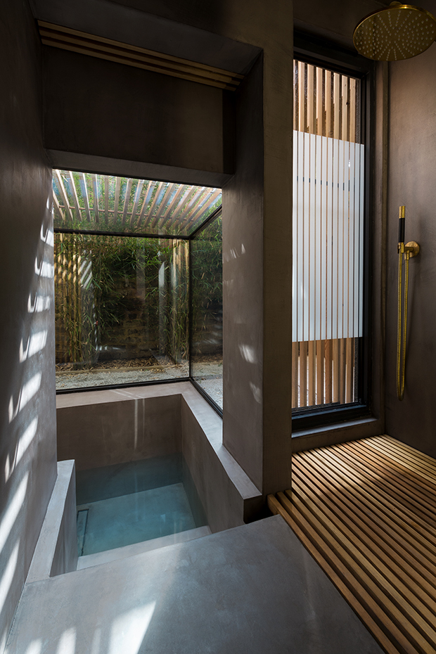 Sunken bath Studio 304 Londres