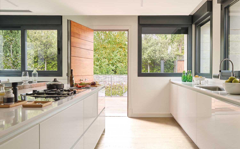 Reforma de casa unifamiliar en madrid por freehand for Cocinas gunni madrid