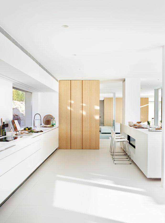 Pintar de blanco, la mejor solución para reformar la cocina