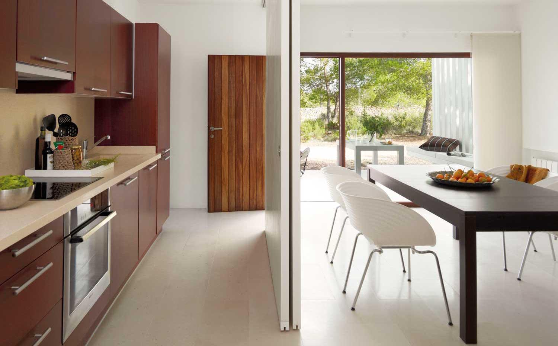 Casa de vacaciones en formentera por el arquitecto mari - Cubo metalico ikea ...