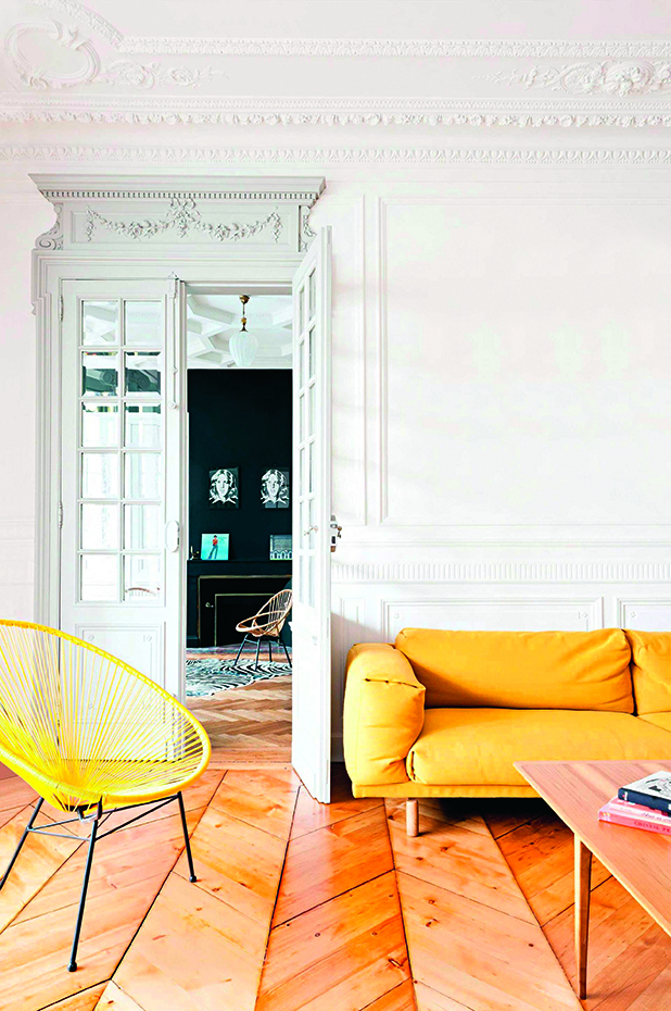 living-room-french-apartment-yellow-furniture-may15-20150511143044-q75dx1920y-u1r1g0-1. [10] Juego de reflejos