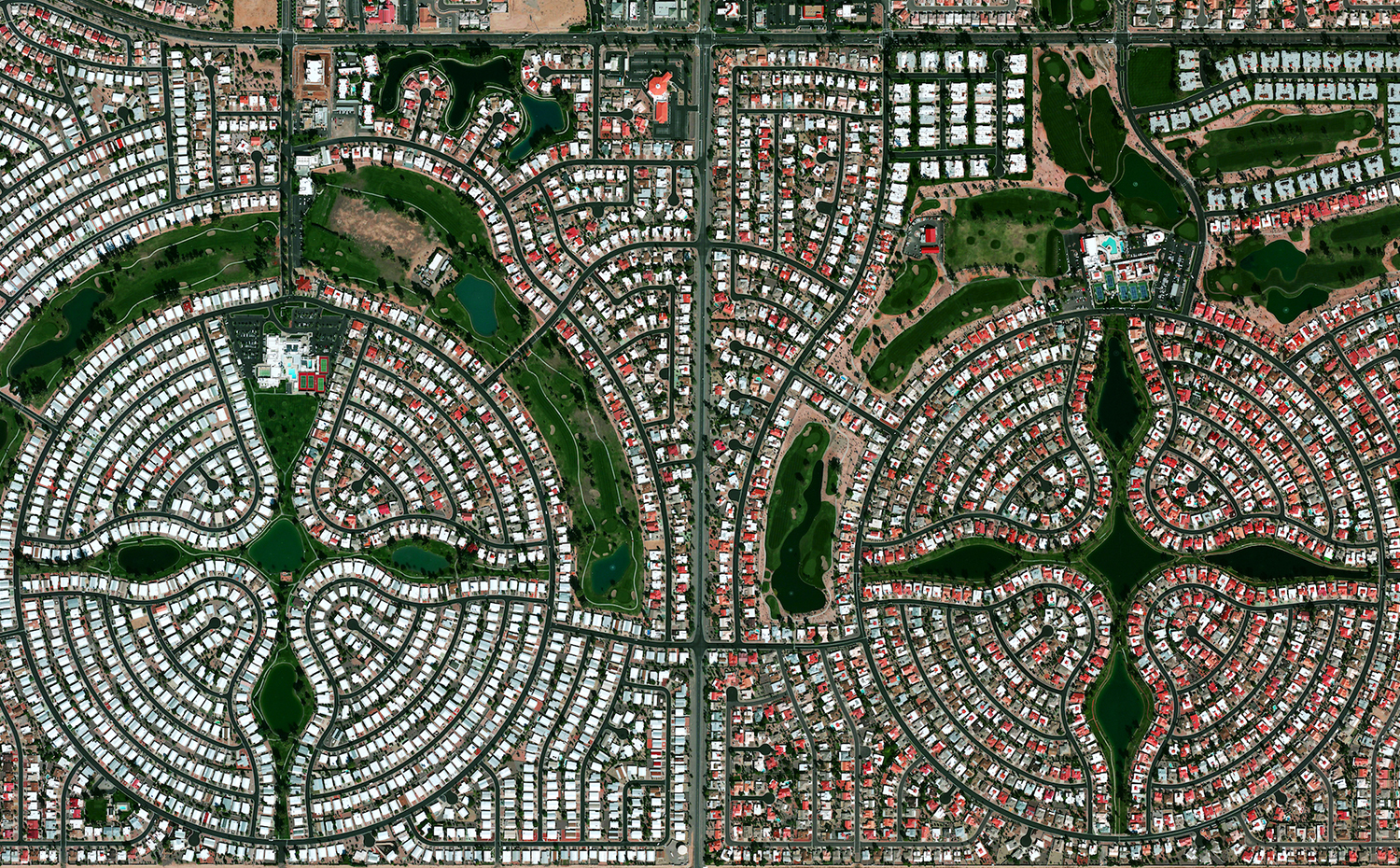 03. Sun Lakes, Arizona. Benjamin Grant / Satellite imagery