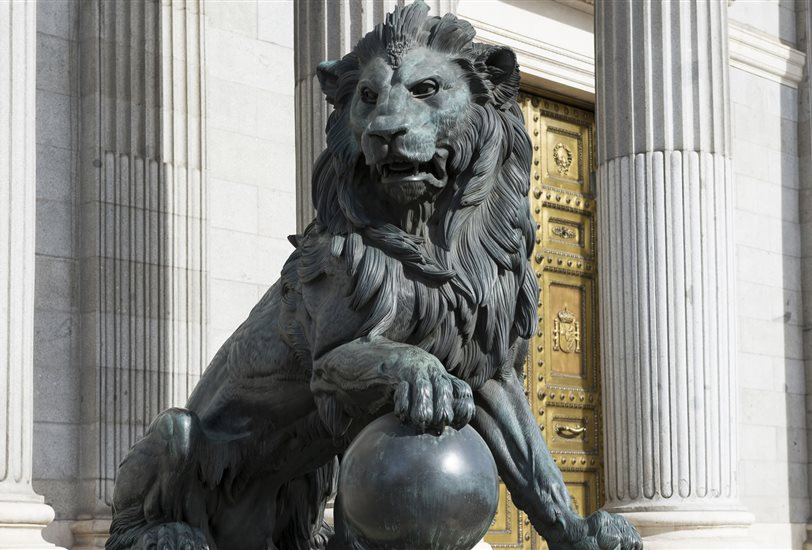 Resultat d'imatges de parlamento español