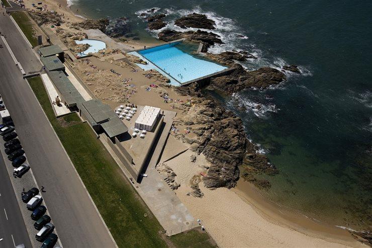 Piscinas de Mares de Leça das Palmeiras, el proyecto de Siza que transformó el litoral de Oporto hasta más de 50 años.