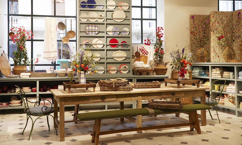 El protagonismo de la madera combinado con artesanía local.