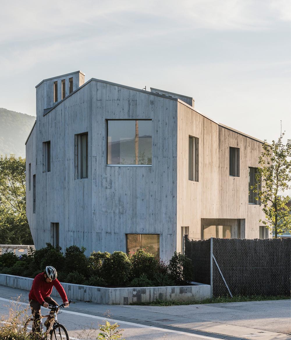 Ganadora Habitar (Ex aequo 2), la casa Cáscara de Marunys, en Sant Joan les Fonts (Girona), por Unparelld'Arquitectes.