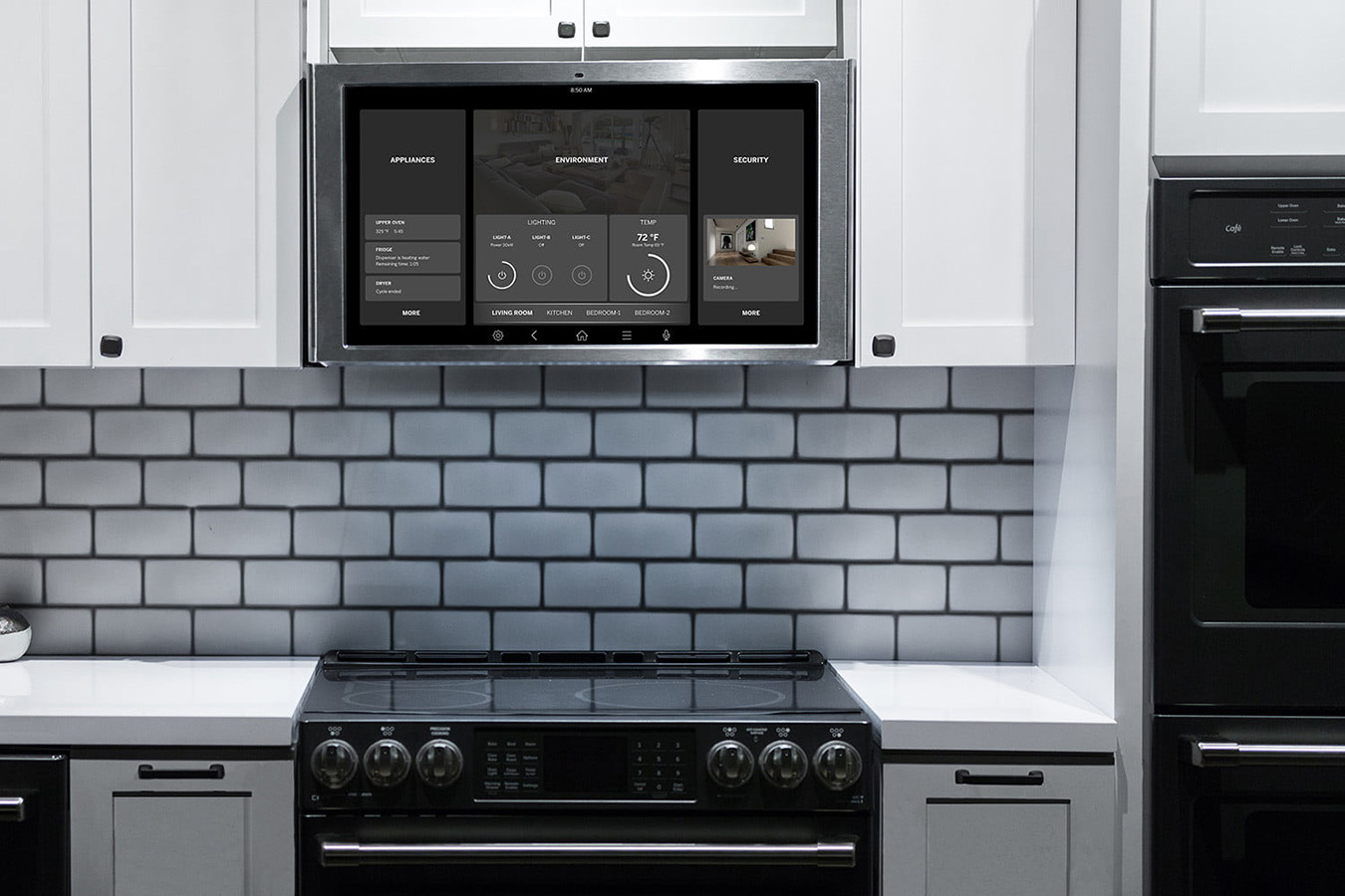 smart-home-trends-ge-kitchen-hub-cs-1500x1000. GE ha convertido el horno mural en un centro de cocina precisa y de entretenimiento con esta pantalla que interactúa con el asistente virtual Alexa de Amazon y de Google, reproduce videos y listas de música y controla dispositivos inteligentes Zigbee y Z-Wave.