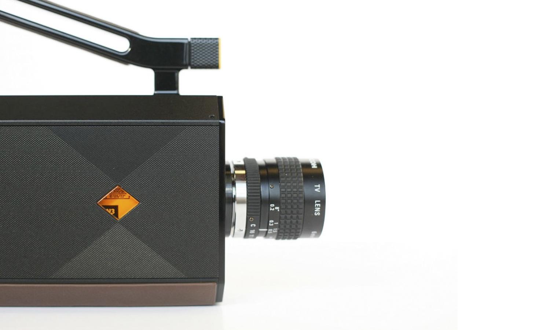Vendrá integrada con un objetivo Ricoh 6 mm f1.2 yuna montura C tradicional.