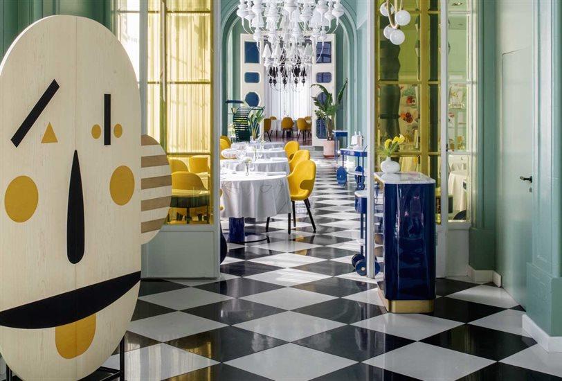 91a47c436 Una década después, el diseñador vuelve a hacer brillar el emblemático  restaurante con un nuevo y refrescante espíritu
