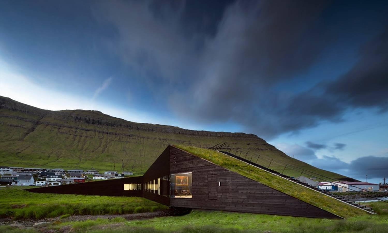 Ayuntamiento de Eysturkommuna (Islas Feroe), Henning Larsen.