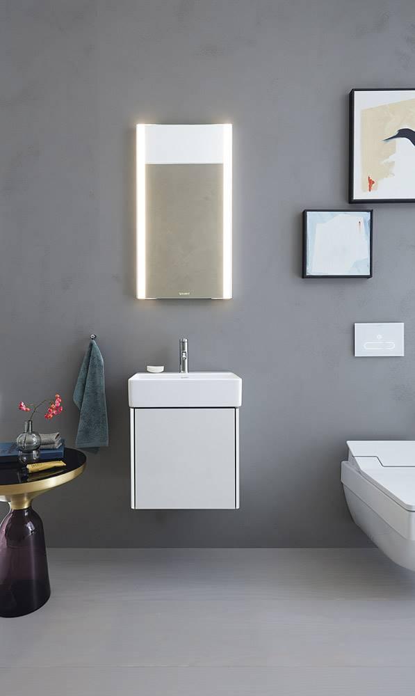 La nueva serie de muebles de baño XSquare, de Duravit, incluye un mueble bajo lavabo de solo434 mm de ancho por 340 mm de profundidad.
