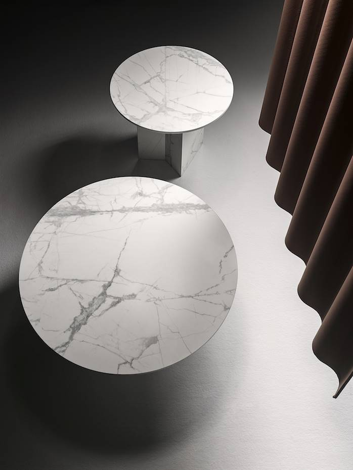 Mesas Uve, diseño de Odosdesing para Miter.