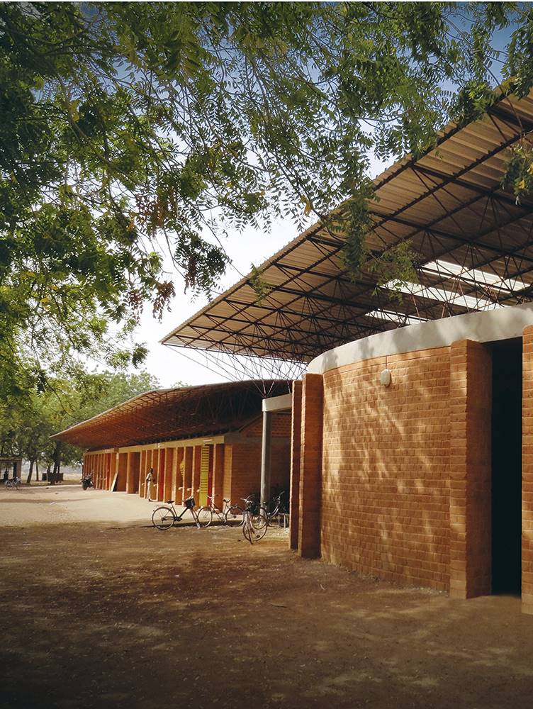 Biblioteca escolar en Gando, Burkina Faso.