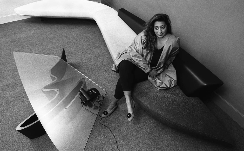 Zaha Hadid en su oficina de Londres en los años 80.