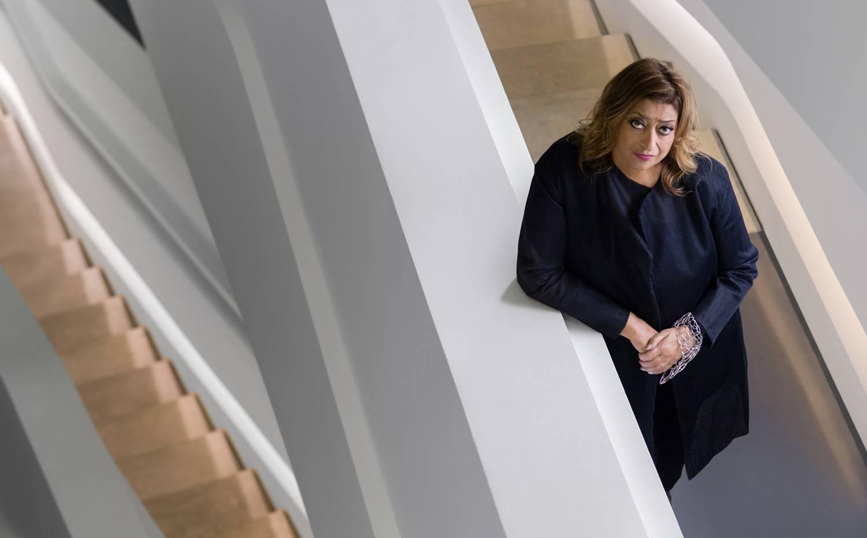 Retrato de Zaha Hadid, cuando alcanza el estatus de arquitecta consolidada