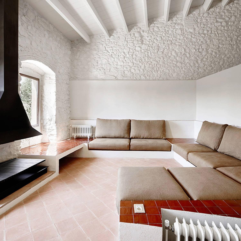 Una masía rehabilitada en el Ampurdán (Girona) por Arquitectura-G.