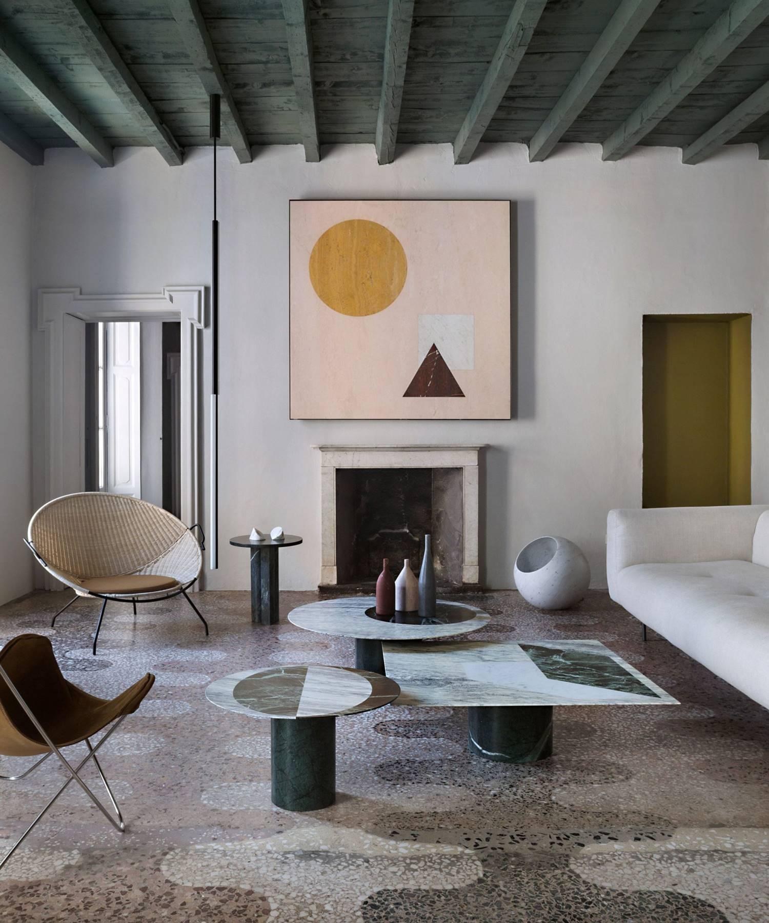 Arriesgada combinación de materiales y colores de la Casa Salvatori, en Milán.