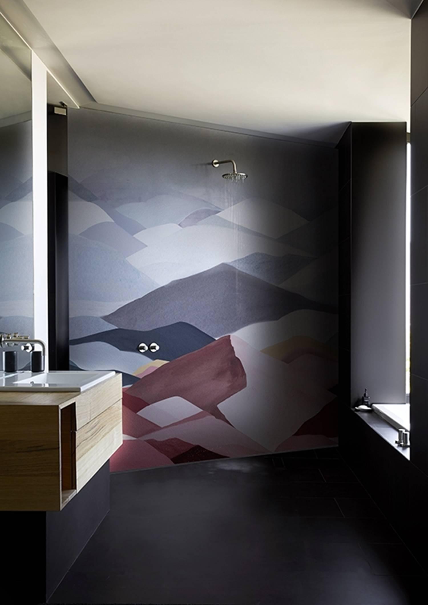 Papel de la línea especial para baños de la firma Wall&Decó.