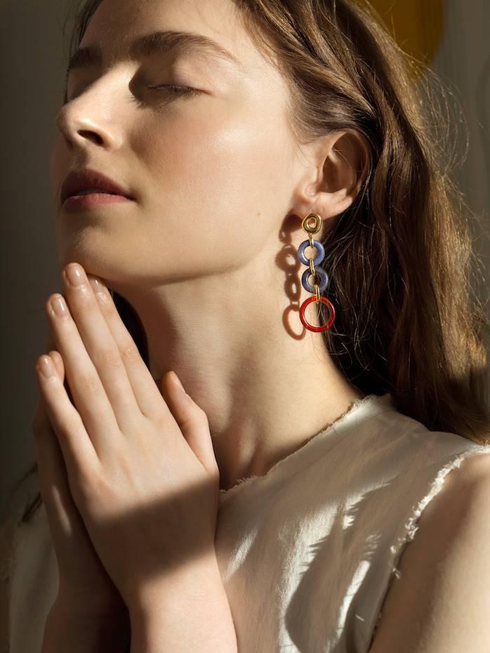 Las joyas escultóricas de Ejing Zhang nos enamoran