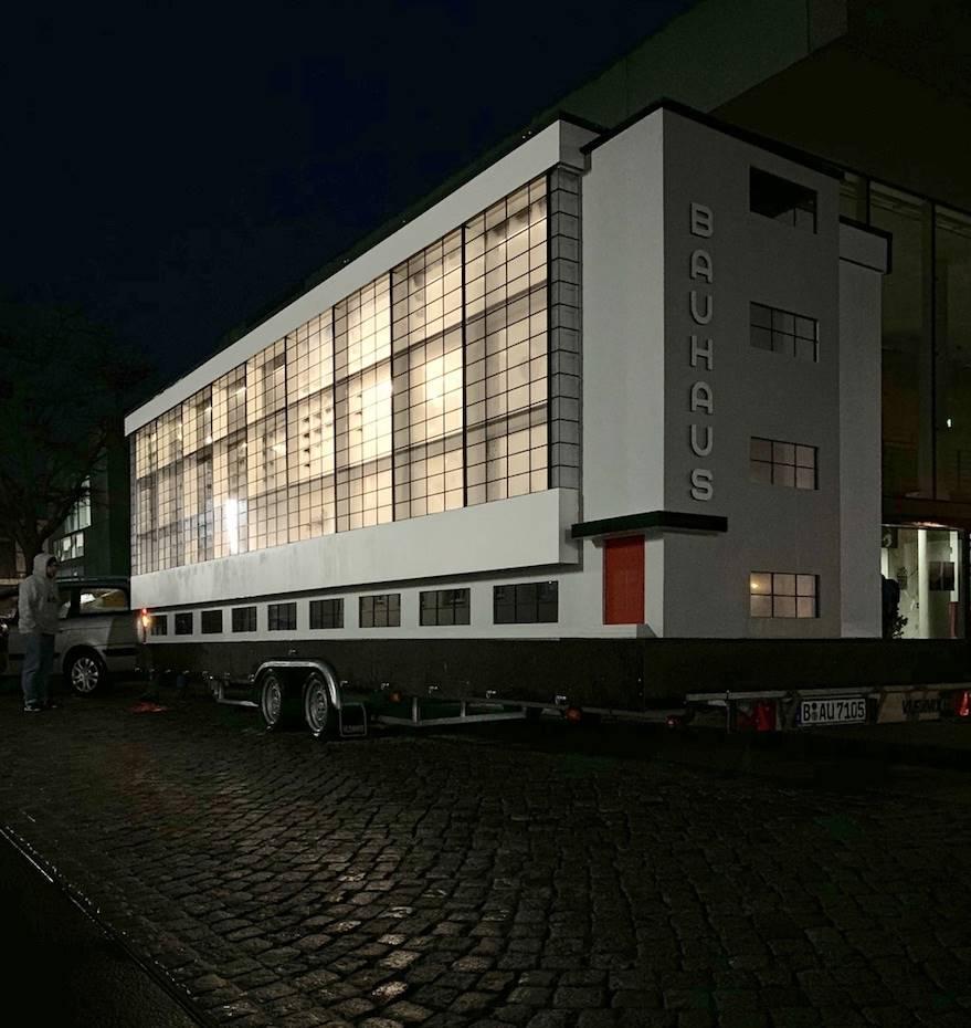 El proyecto Spinning Triangles llevará las enseñanzas de la Bauhaus a la República Democrática del Congo y a Hong Kong.