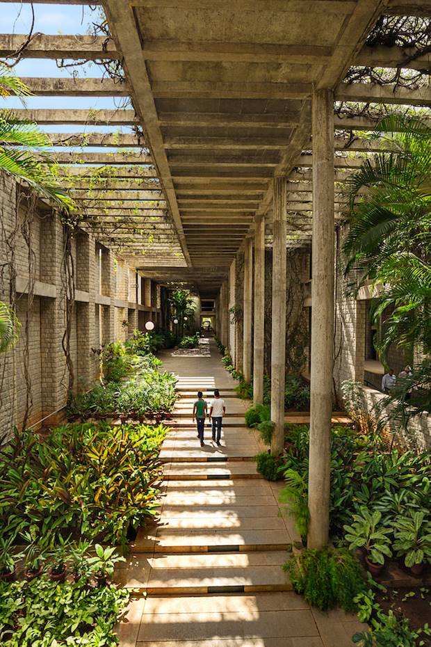 Pasillos del Indian Institute of Management en Bangalore (1977-1992)