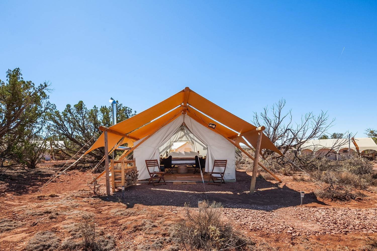 Under Canvas glamping. [04]Under Canvas, un glamping en el desierto