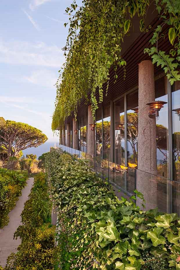 Hotel-Philippe-Starck-Provenza-jardines-verticales