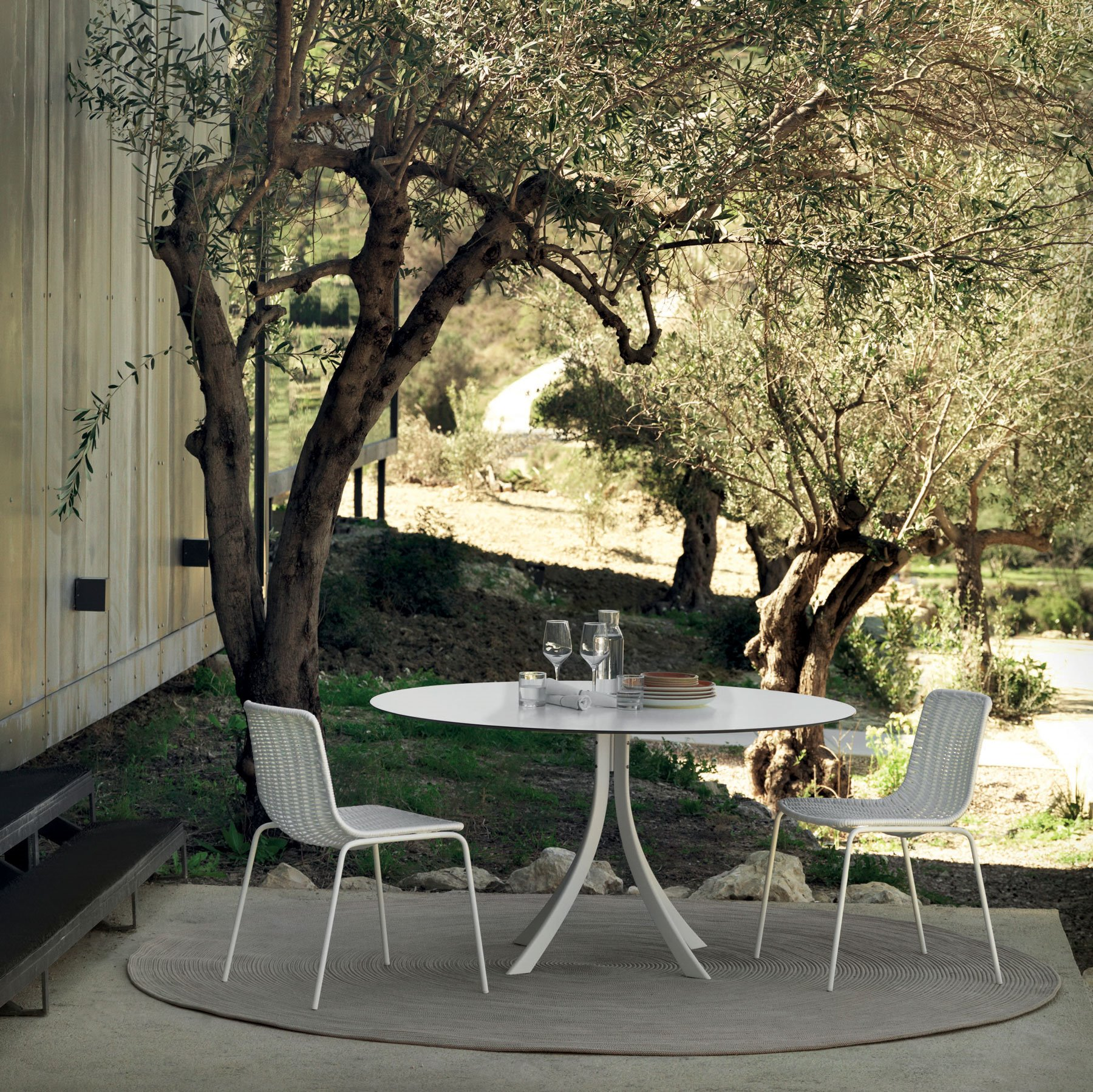 EXPORMIM falcata-outdoor-dining-table-lievore-altherr-molina-expormim-furniture-outdoor-05