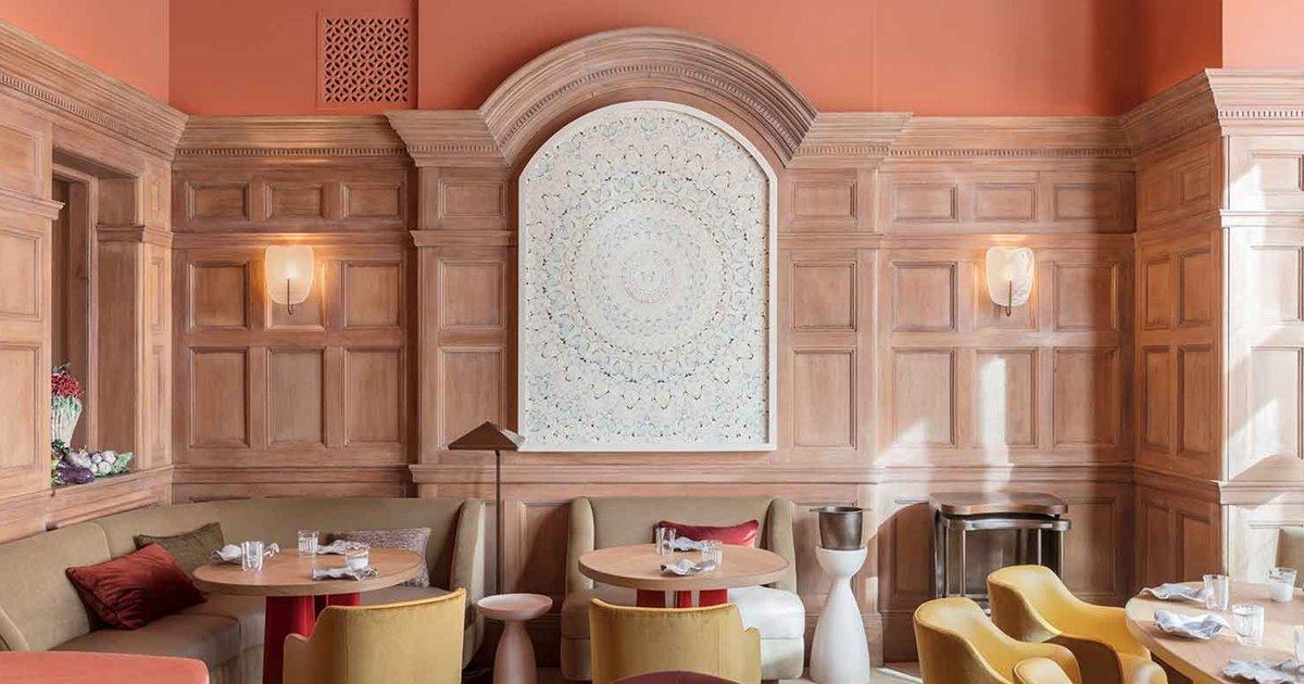 Un restaurante inglés con decoración très jolie