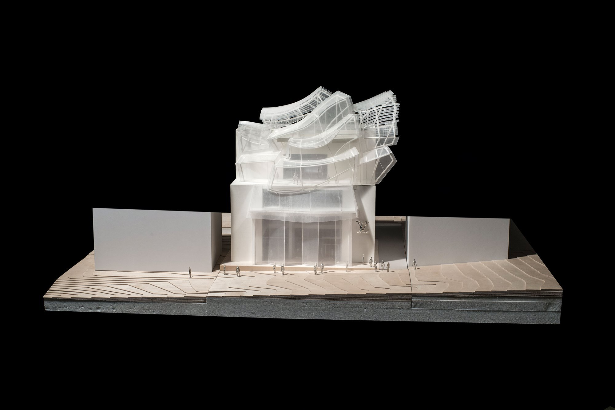 Gehry-Partners 2017-05-2017 LV-Seoul 1-to-50-scale-model Main-Elevation