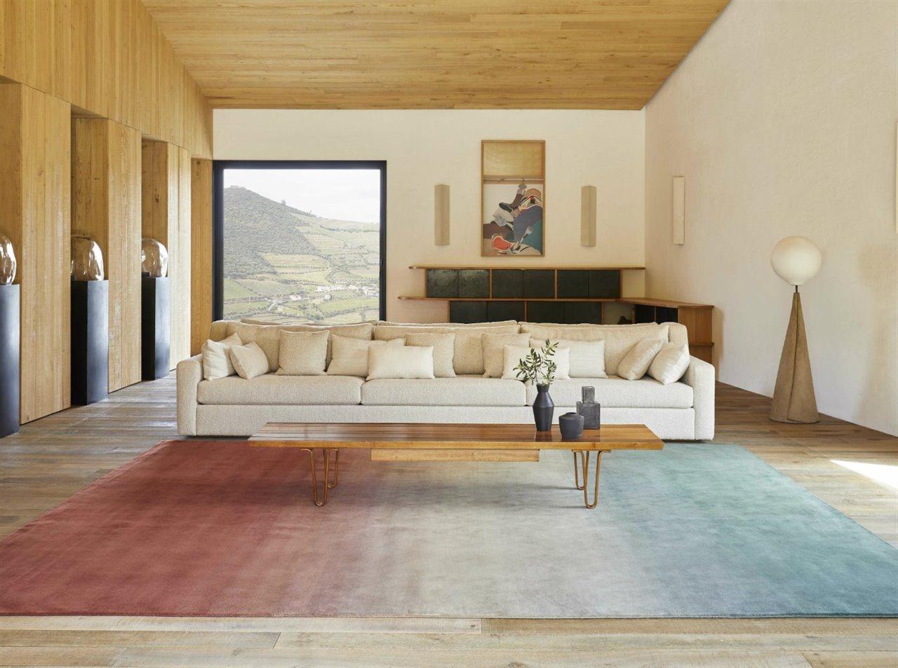 La colección de alfombras Degrade, de Patricia Urquiola para GAN, aúna diseño y artesanía textil.