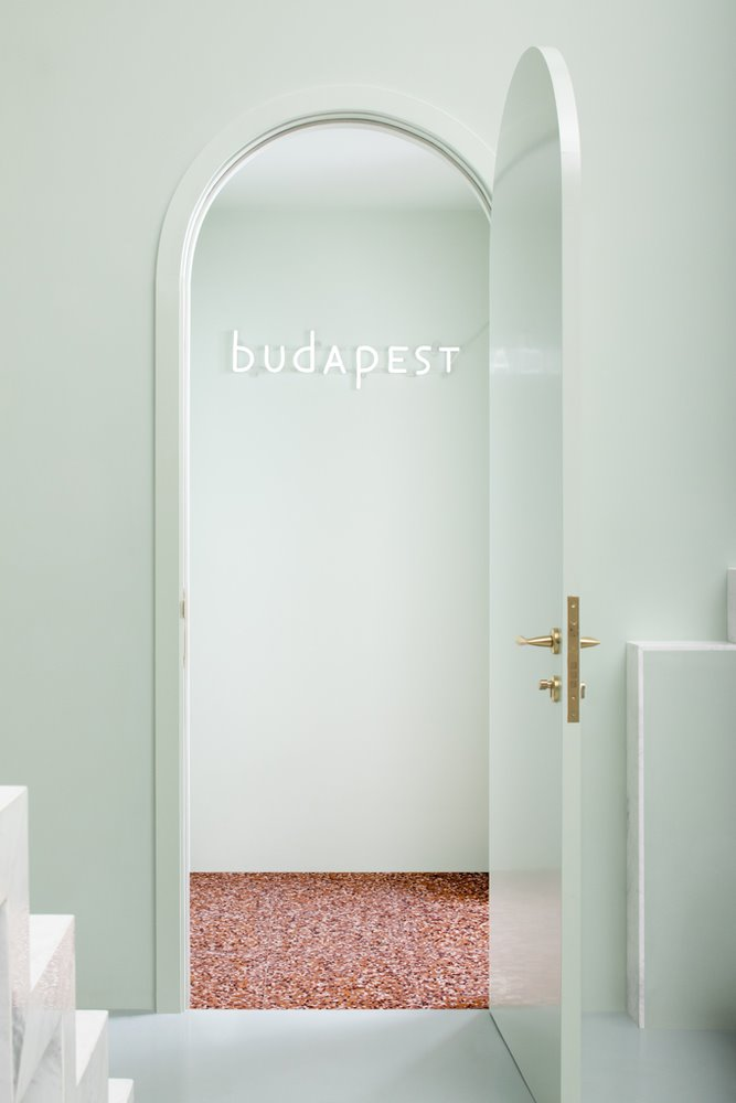 puerta the budapest cafe