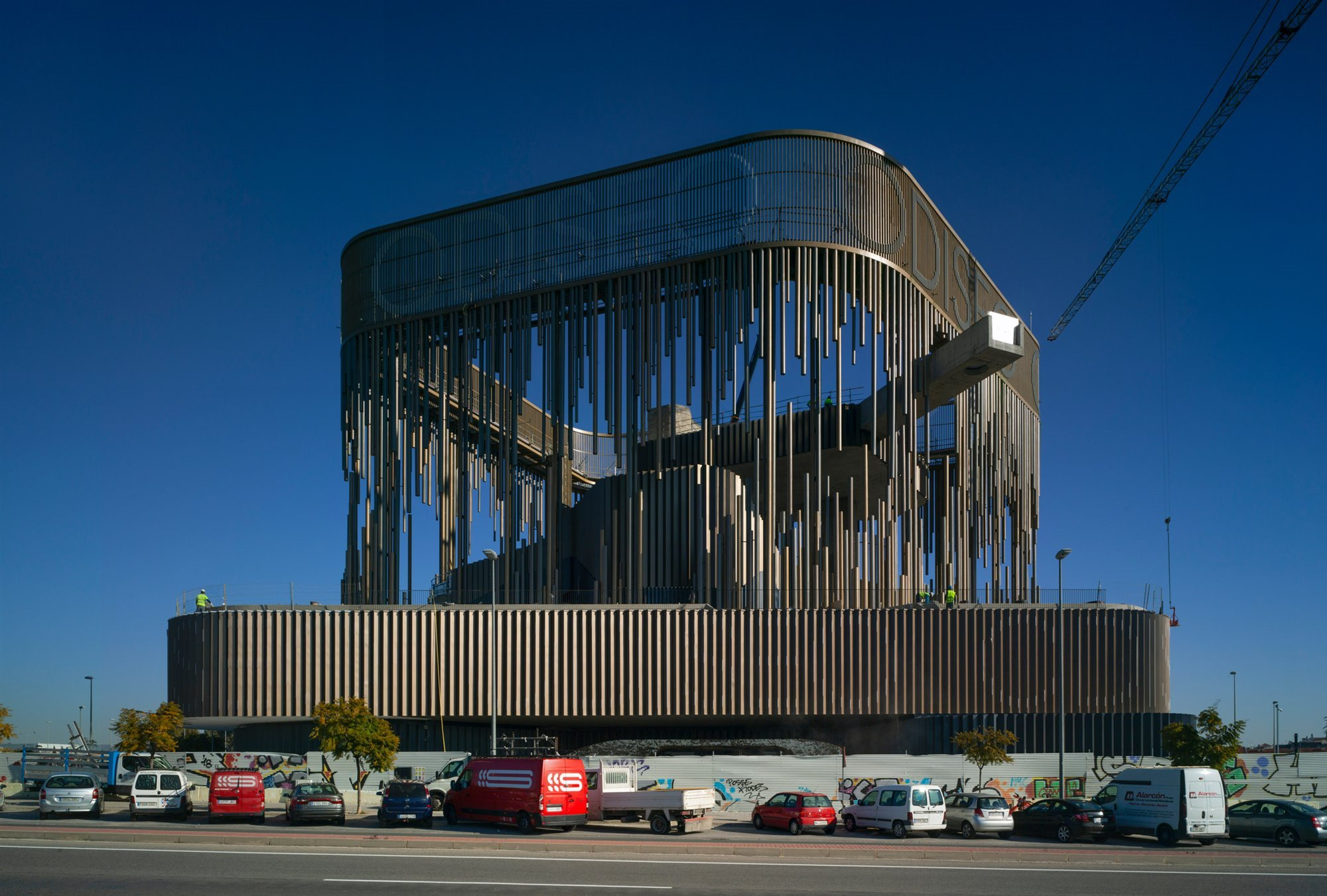 odiseo-casino-cantilevered-pool-longest-europe-murcia-spain-clavel-arquitectos