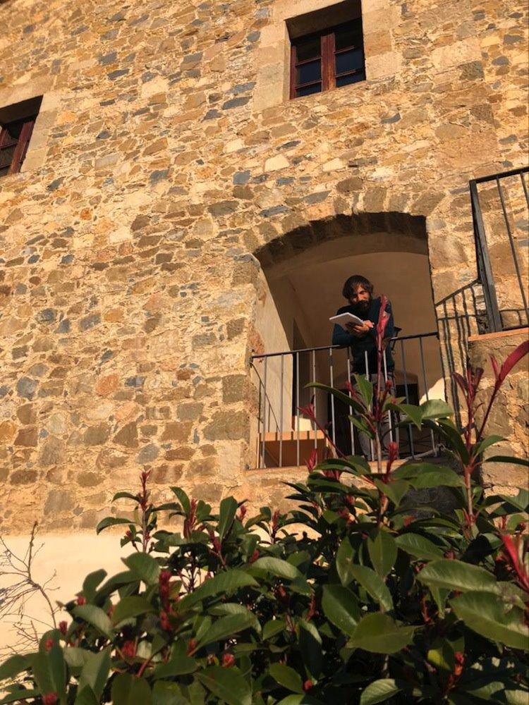 Enric Montefusco: «Me gusta la escultura minimalista. ¡Ojalá pudiera poner aquí un detallito de Richard Serra en el jardín!»