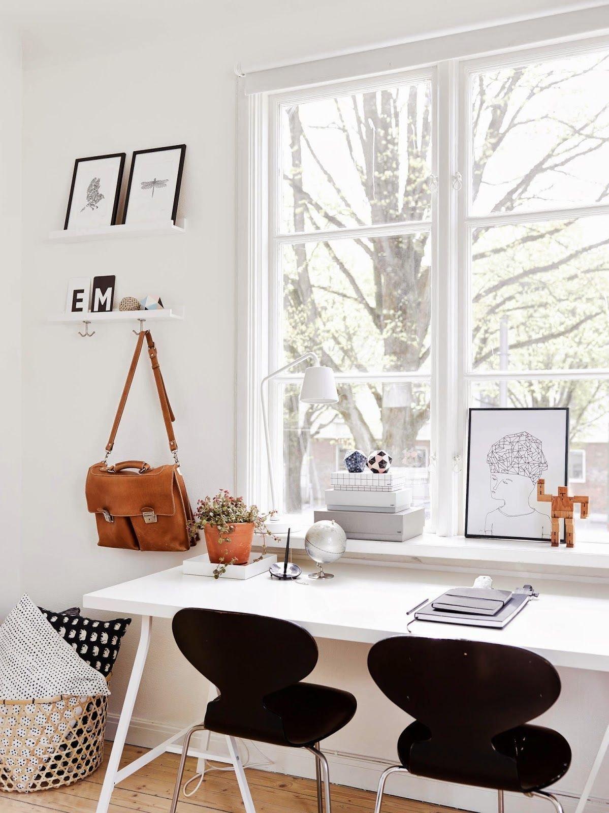 Si has de compartir espacio de trabajo hazlo de forma en la que ambos tengáis suficiente espacio.