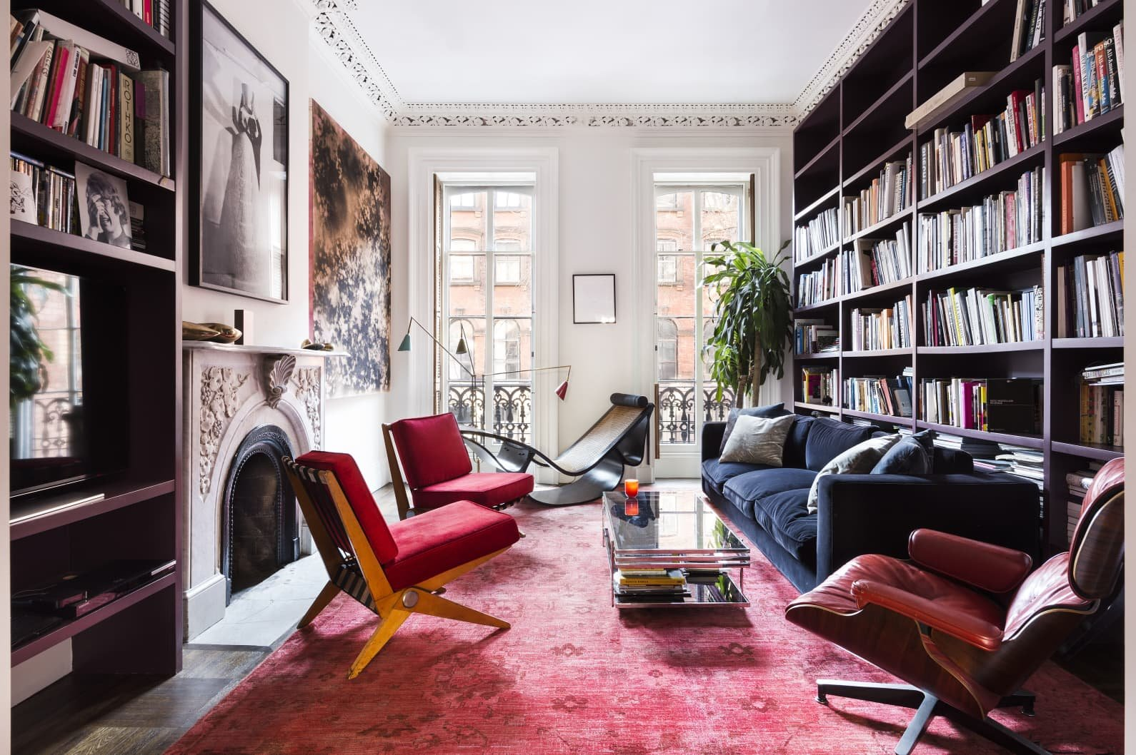 Apartamento Mary Kate Oslen en Manhattan salon con libreria