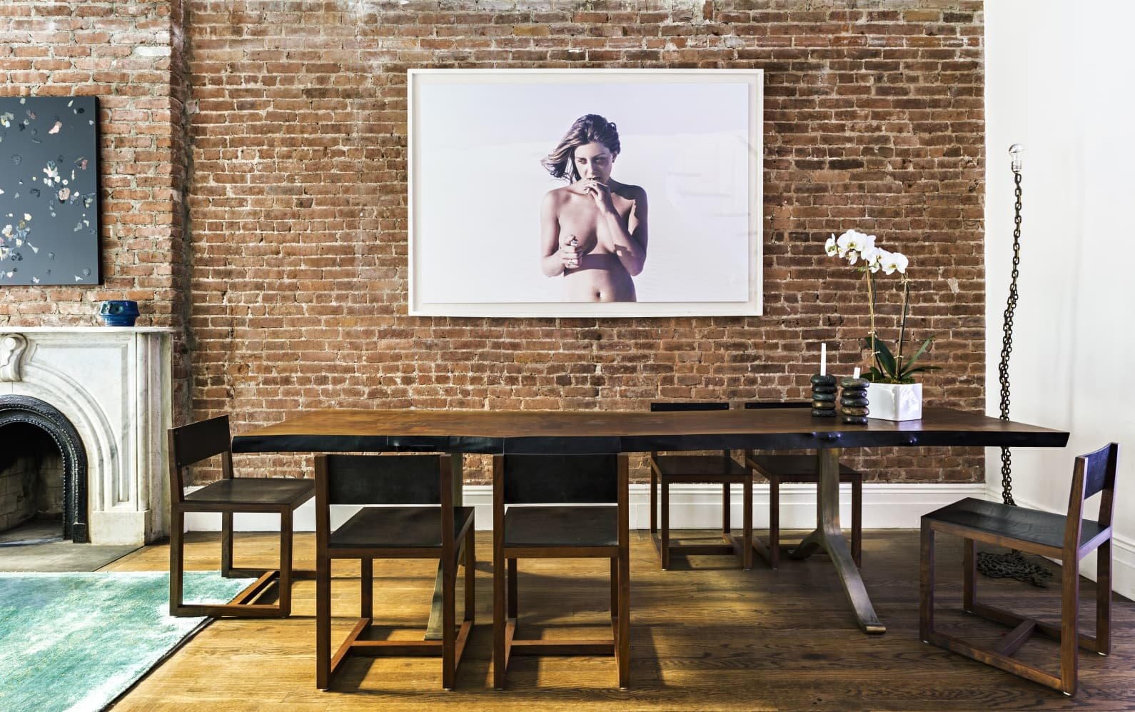 Apartamento Mary Kate Oslen en Manhattan Salon con pared de ladrillo