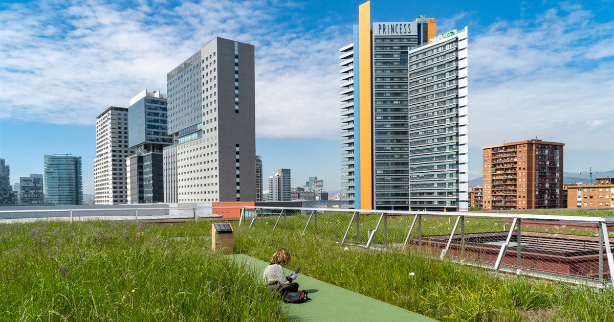 Para visitar el nuevo jardín de Barcelona tendrás que subir a esta terraza