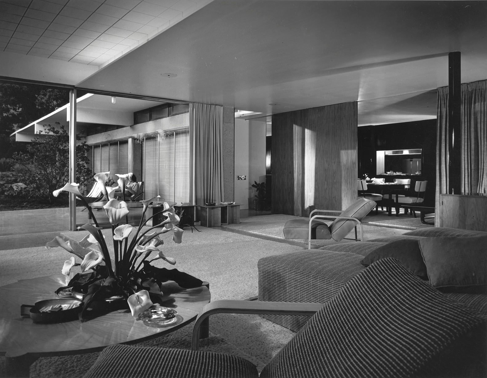 salon Casa en Montecido california diseñada por Richard Neutra
