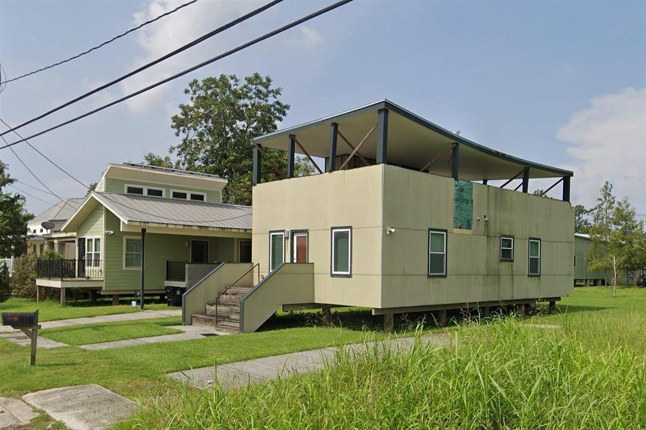 La casa, que en su día costó 130.000 dólares, permanece abandonada desde 2012, por lo que se encuentra muy deteriorada.
