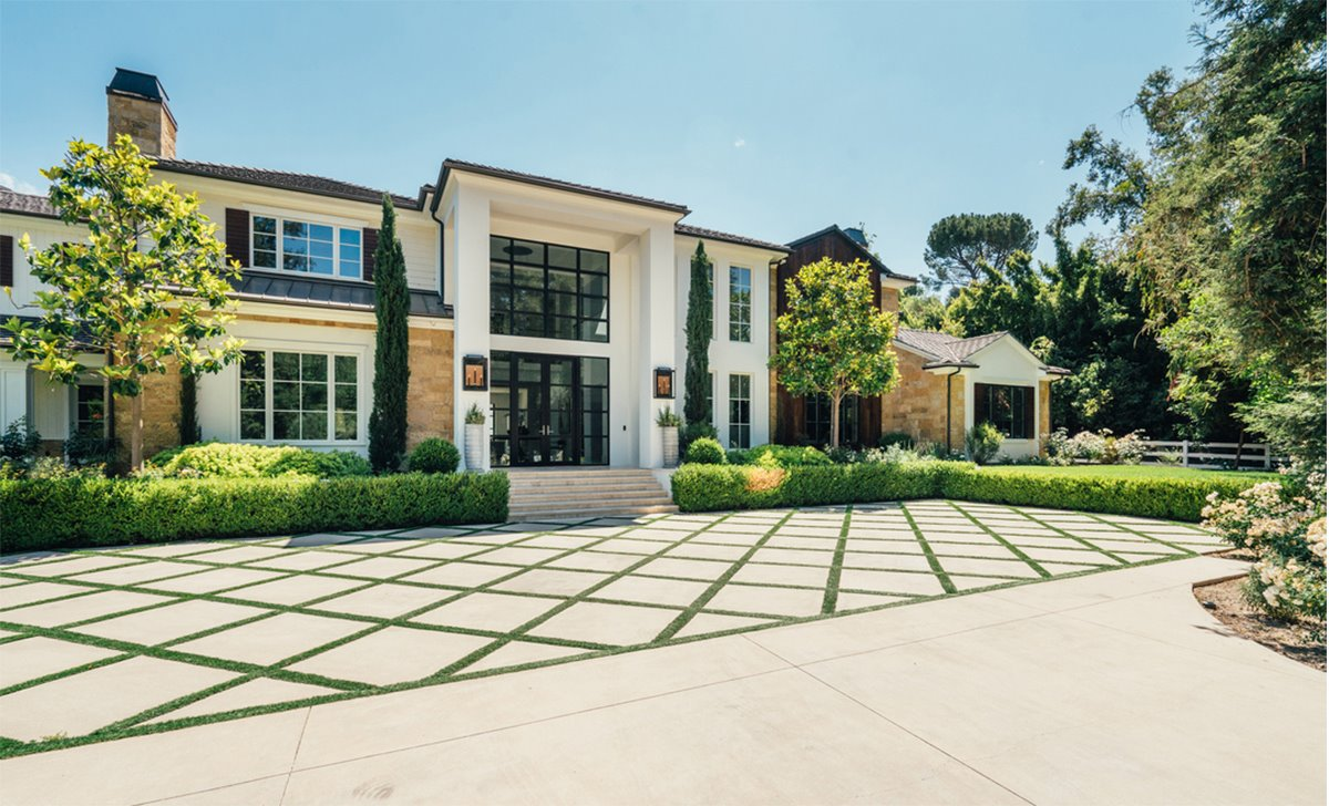 Fachada de la mansion del cantante The Weeknd Abel Tesfaye