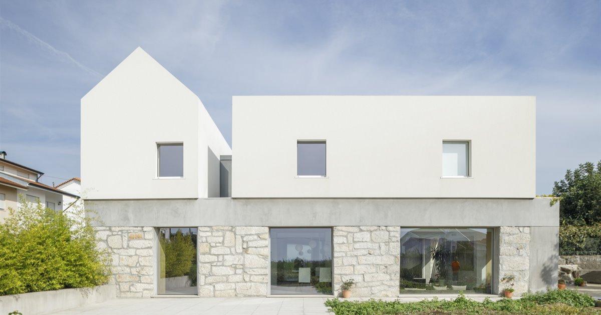 Una casa rural en Portugal reformada a partir del contraste de materiales