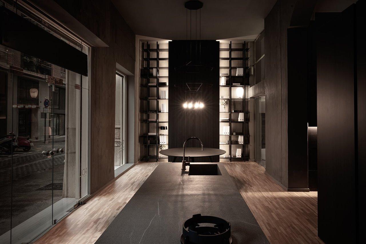 El espacio cuenta con 250 metros cuadrados en los que se exponen modelos de cocina como Blade, Twenty y Skill y propuestas para la zona living como MH6.